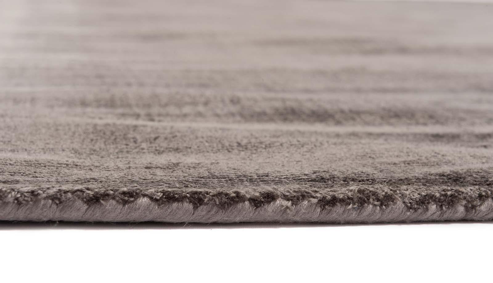 Mart Visser teppich Crushed Velvet Tin Grey 18 side