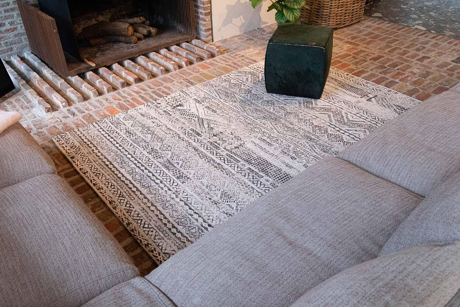 Louis De Poortere teppich LX 9114 Antiquarian Kilim Medina White interior 3